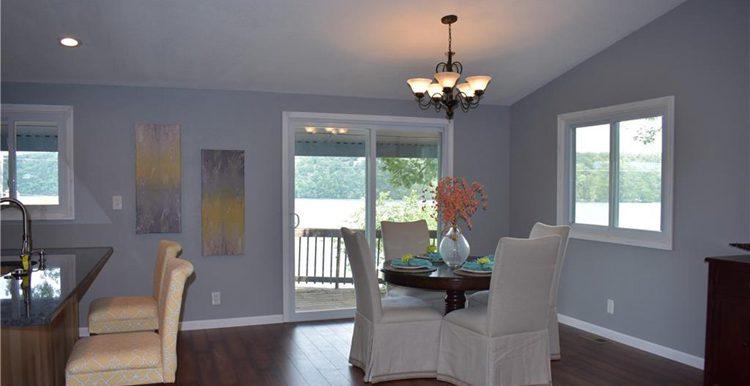 livingroomShellBay